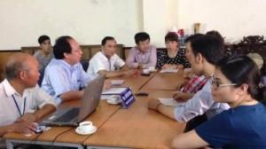 Cán bộ UBND – HĐND quận Hoàn Kiếm tiếp Đại diện Nhóm 'Vì Một Hà Nội Xanh', tại số 92-94 Hàng Trống